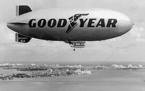 1960s_GoodyearBlimp_425H